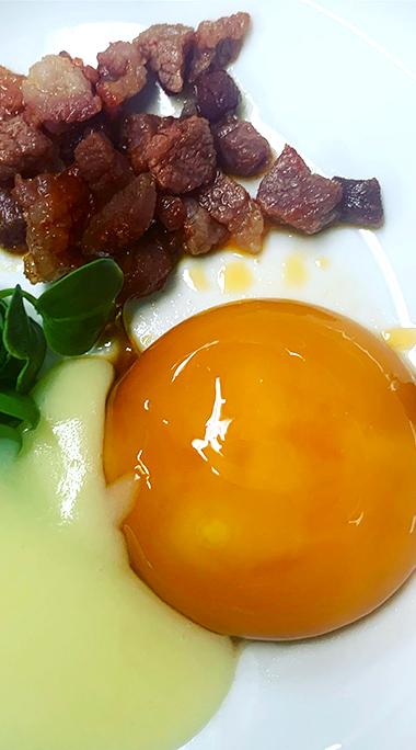 Huevo curado en PX y picadillo de Chosco de Tineo - Restaurante La Torre
